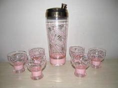 Vintage Pink String Gold Retro 1950s Modern Drink Cocktail Shaker Glass Bar Set
