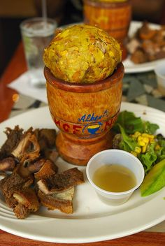 mofongo - saw this on Diners, Drive-Ins and Dives and I REALLY want to try it. Need some specialized tools to make it. Puerto Rican Dishes, Puerto Rican Cuisine, Puerto Rican Recipes, Cuban Recipes, Spanish Recipes, Colombian Recipes, Comida Latina, Mofongo Recipe, Recetas Puertorriqueñas