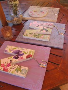 I will show you how to decoupage a lovely tea box from. I used decoupage glue and paper napkins. Decoupage Vintage, Decoupage Glue, Decoupage Tutorial, Decoupage Furniture, Decoupage Ideas, Home Crafts, Diy And Crafts, Arts And Crafts, Craft Projects