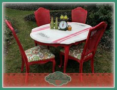 Farm Fresh Turning a old beat up dining set into a Fresh Vintage Beauty.