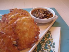 This is an appetizer that you can put together with basic pantry ingredients. A little potato, onion, and egg come together to make perfe. Asian Appetizers, Appetizer Recipes, Madhur Jaffrey Recipes, Little Potatoes, Potato Pancakes, I Foods, Nom Nom, Spicy, Korean