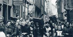 Das Foto zeigt Bewohner der Fleetinseln im 19. Jahrhundert
