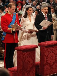 Kate Middleton and Michael Middleton Photos Photos - The royal wedding of Prince William and Catherine Middleton held at Westminster Abbey. - Royal Wedding: A Look Inside William Kate Wedding, Kate Middleton Prince William, Prince William And Catherine, James Middleton, Kate Middleton Wedding, Kate Middleton Photos, Adele, Cambridge, Prinz William
