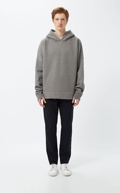 Long sleeve and sagging shoulder. Grey Sweatshirt, Hoods, Heather Grey, Normcore, Sweatshirts, Long Sleeve, Fitness, Ali, Sleeves