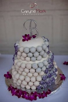 Wedding Cake Ball Cakes...Gorgeous and simply chic.