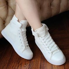Fashion High Top Sneakers Canvas Shoes Women Casual Shoes White Flat Female Bask… Mode High Top Sneakers Segeltuchschuhe Frauen Freizeitschuhe Weiß Flache Weibliche Korb Lace Up Solide Trainer Chaussure Femme High Top Sneakers, Sneakers Mode, Sneakers Fashion, Fashion Shoes, High Heels, Style Fashion, Fashion Women, Denim Sneakers, Canvas Sneakers