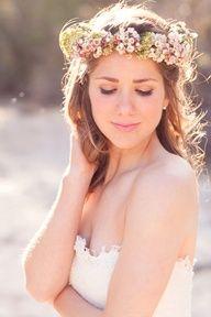 bride in dream fascinating bridal floral crown Flower Crown Wedding, Bridal Flowers, Flowers In Hair, Fresh Flowers, Wedding Crowns, Flower Veil, Flower Tiara, Bridal Crown, Small Flowers