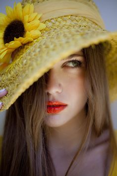 The coral lips Make up by Panos Kallitsis Salon