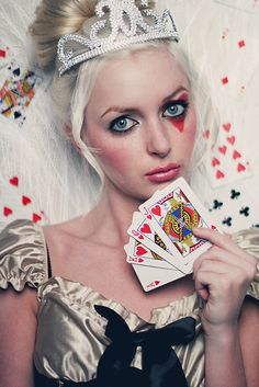 Queen of Hearts ❤  not only is this steampunk style but its a really good take on a fairytale character and fairytales happen to be my favorite thing