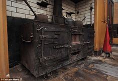 Victorian kitchen that has remained untouched for 60 years discovered in stately home renovation - The old cooker in the Victorian kitchen, which has been uncovered after decades of gathering dust