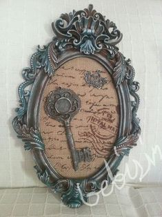 AHŞAP,POLYESTER ÜRETİM+CADENCE (@polyesterhobi_com) • Inst Picture Frame Art, Antique Picture Frames, Antique Pictures, Decoupage Tins, Decoupage Vintage, Shabby Chic Frames, Shabby Chic Decor, Frame Crafts, Diy Frame