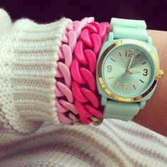 Cute pastel bracelet stack | lynbacca, Instagram