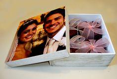 Caixa com foto, fotolembrança, padrinhos. portfolioideias@gmail.com