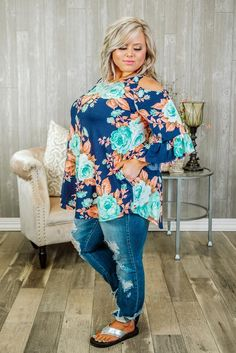 Trying to find boutique curvy clothes? Check out our trendy boutique plus-size clothing for women and you're sure to find something you love! Over 50 Womens Fashion, Curvy Women Fashion, Plus Size Fashion, Everyday Casual Outfits, Casual Summer Outfits For Women, Plus Size Fall Outfit, Plus Size Outfits, Curvy Outfits, Fashion Outfits