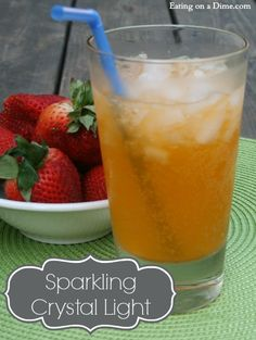 Sparkling crystal light drink recipe This Sparkling Crystal Light recipe is perfect for a refreshing summer and spring beverage. Alcholic Drinks, Carbonated Drinks, Non Alcoholic Drinks, Sparkling Lemonade, Sparkling Drinks, Refreshing Drinks, Summer Drinks, Drinks With Sprite, Crystal Light Drinks