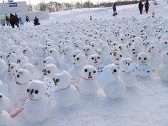 Image from http://www.asianoffbeat.com/crazypictures/snowman-in-japan-13.jpg.