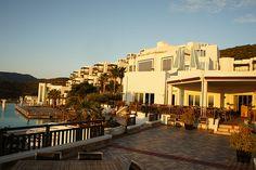 터키 지중해 연안의 보드룸 근처에 있는 호텔. 시설과 전망이 정말 끝내줬다.