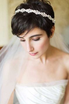 25 Wedding Hairstyles for Short Hair Pretty and Attractive Pixie Cut with Lovely Bangs: Charming and Alluring. Short Wedding Hair Inspiration for Jenny Buckland Hair and Make up Short Pixie Haircuts, Haircuts With Bangs, Pixie Hairstyles, Bride Hairstyles, Headband Hairstyles, Pretty Hairstyles, Hairstyle Ideas, Elegant Hairstyles, Bridesmaid Hairstyles