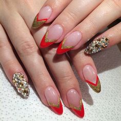Lana del Rey inspired nail look