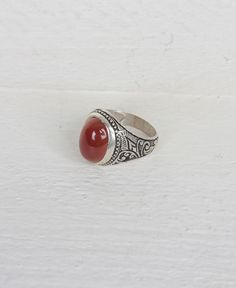 THE ALLOTMENT OVAL STERLING SILVER WINE RED STONE RING #rubyred #sterlingsilver #rings #allotmentstore #leeds
