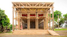 Completed in 2018 in Naidi, Fiji. Images by Katie Edwards. Naidi village, located on Vanua Levu in Fiji, had been without a community hall for 7 years, when their previous community hall fell into disrepair. Jazmin Grace Grimaldi, Timber Buildings, Small Buildings, Fiji, School Architecture, Architecture Design, Architecture Interiors, Building Architecture, Beautiful Architecture