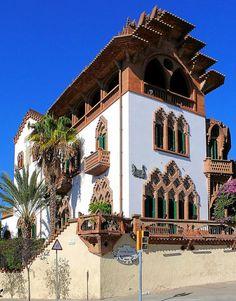Casa Roviralta. Architect : Joan Rubio i Bellver. Barcelona -