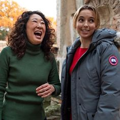 Jodie Comer and Sandra Oh looking adorable as always Movies Showing, Movies And Tv Shows, Plus Tv, Sandra Oh, Jodie Comer, Riot Grrrl, Friends Tv, Celebrity Crush, Girl Power