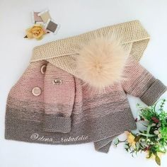 This pattern is called Honey Pie. I've knitted it and loved it. Knitting For Kids, Baby Knitting Patterns, Crochet For Kids, Baby Patterns, Knitting Projects, Crochet Patterns, Cardigan Bebe, Baby Cardigan, Knit Baby Sweaters