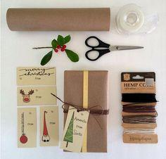 Versier uw speciale geschenken met deze super leuke hand geïllustreerd tags. Afdrukbare set 10 gift tags. 5 verschillende modellen, hand getrokken en digitaal gekleurd. -WAT JE KRIJGT- 1 PDF-bestand met 10 gift tags wilt bijsnijden. -HOE HET TE GEBRUIKEN – Print op papier of