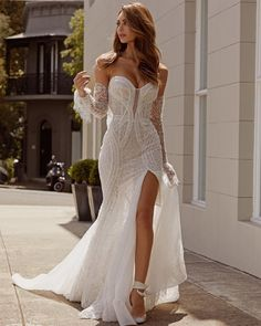Slit Wedding Dress, Sexy Wedding Dresses, Princess Wedding Dresses, Unique Dresses, Sexy Dresses, Bridal Dresses, Beautiful Dresses, Unique Wedding Dress, Mermaid Dresses