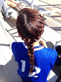 Tumblr Girl French Braid You Guys Should Learn How To Do This It Would Look Cool Sport HairstylesBasketball