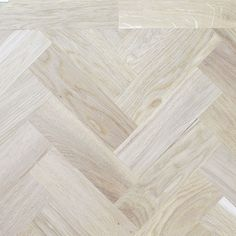 Rustic appearance means that it features some knots and colour variation which highlights the character of the wood flooring.  The size and number of the knots on each oak varies.