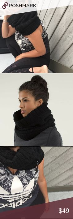 Lululemon neck warmer It's perfect for early morning work out. Like new condition Lululemon neck warmer. The is a zippered pocket as well so this is all you need! lululemon athletica Accessories