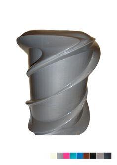 FGS - Urne aux formes enlacées par de délicats courbures. L'urne peut reposer en extérieur comme en intérieur. Autres couleurs sur demande.