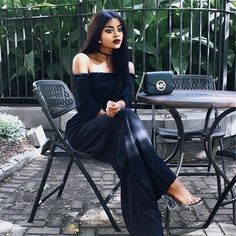 🕷 Patiently waiting 🙃 #HowIWaitForMyFood 💅🏽😄 Morticia Addams vides this Saturday ✔️ Continuing my love for off shoulder tops and wide leg pants through fall as long as the weather will let me 🔜 on www.barbraray.com/fashion  Shop the look here first 👉🏾 http://liketk.it/2pfs8 @liketoknow.it #liketkit #morticiaaddams #darkside