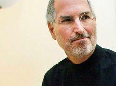 Odaklanma ve basitlik! Bu her zaman mantralarımdan biri olmuştur. Basit, karmaşıktan daha zor olabilir. Bir işi basitleştirmek için düşüncelerinizi sadeleştirmeniz gerekir. Bu da çok çaba gerektirir. Ancak sonunda buna değecektir, çünkü o noktaya vardığınızda, dağları yerinden oynatabilirsiniz. Steve Jobs