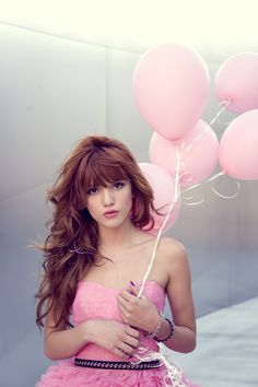 Bella Thorne from Disney ´Shake it Up´ She is so prettyyyy