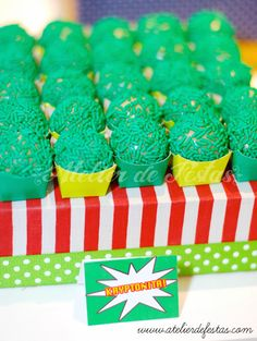 Atelier de Festas: Festa Super Heróis Hulk Birthday Parties, Superhero Birthday Party, Boy Birthday, Hulk Party, Star Wars Party, Incredible Hulk, I Party, Holidays And Events, Birthday Decorations