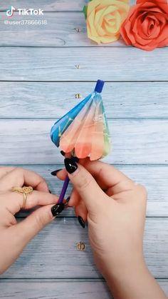 Diy Crafts Hacks, Diy Crafts For Gifts, Diy Arts And Crafts, Craft Tutorials, Easy Crafts, Cool Paper Crafts, Paper Crafts Origami, Diy Paper, Paper Crafts Magazine