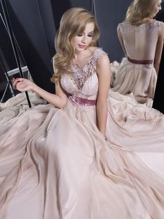 Shop Designer Scoop Neck A-line Chiffon Tulle Appliques Lace Long Ball Dresses in New Zealand