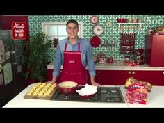 Como hacer Picarones - YouTube Churros, Youtube, Vegetarian, Pastries Recipes, Candy Stations, Deserts, Candy Buffet, Baking, Cook