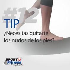 Utiliza un rollo de espuma y veras que fácil es hacerte masajes en los pies