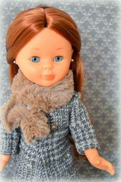 Anita, moda para invierno. Nancy Ion Fiz, su melena es pelirroja.