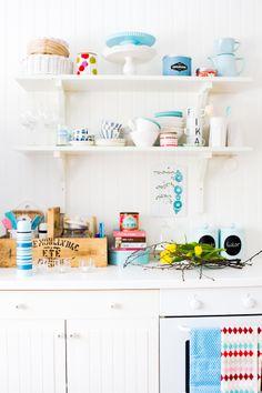 White & bright kitchen