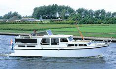 motorjacht | Pikmeer 1100 Malibu | Friesland Boating Yachtcharter | Boot huren, Motorboot huren, zeiljacht huren, sloep huren en polyvalk huren.
