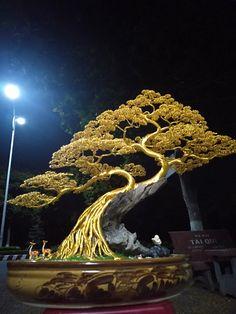 bonsai make from al Wire Art Sculpture, Tree Sculpture, Sculptures, Lion Sculpture, Bonsai Making, Art Fil, Copper Wire Art, Bonsai Wire, Wire Trees
