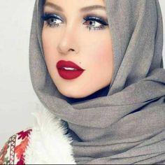 beauty-of-hijab- How to wear cute hijab in honeymoon