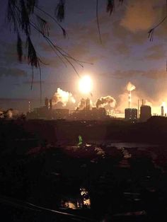An explosion and blaze rip through a plant manufacturing the controversial chemical PX in Fujian province in eastern China. Today In Pictures, Cool Pictures, Chemical Plant, Tianjin, Together We Can, Around The Worlds, Chinese, Ocean, Sky