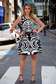 irá-fashion-atacado-bom-retiro-são-paulo-moda-fashion-style-looks-vestido-longo-vestido-curto-estampa-saia-tricô-streetstyle-pizzaroots - Cópia (4)