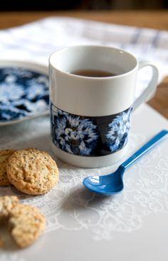 Les pivoines bleues: Emiliebok'. Créations, Arts de la table & Accessoires Déco.
